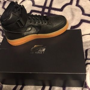 Size 7 Women. Nike Airforce 1's Hi SE.
